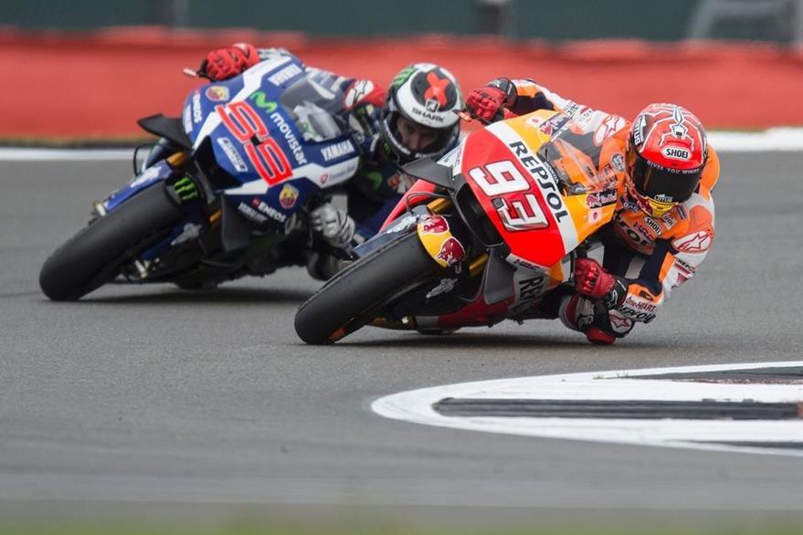 Marc Marquez y Jorge Lorenzo en competencia. (Foto Prensa Libre: AFP)
