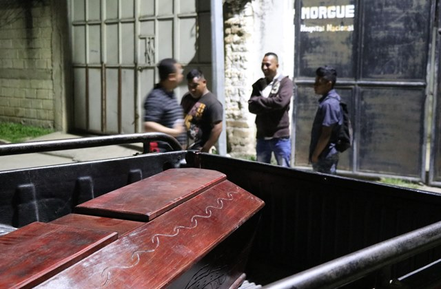 El cuerpo de Rosalba Matías, de 45 años será velado por sus familiares, luego uqe un hombre le segara la vida en San Carlos Alzatate, Jalapa. (Foto Prensa Libre: Hugo Oliva)