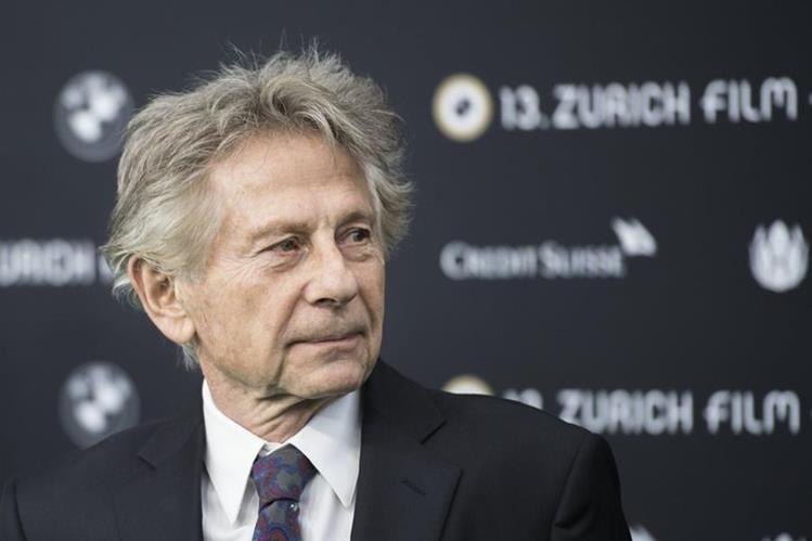 """El director de cine polaco Roman Polanski posa para los medios a su llegada al estreno de """"Basado en una historia real"""", durante el Festival de Cine de Zúrich, Suiza, el 2 de septiembre del 2017. (Foto Prensa Libre: EFE)."""
