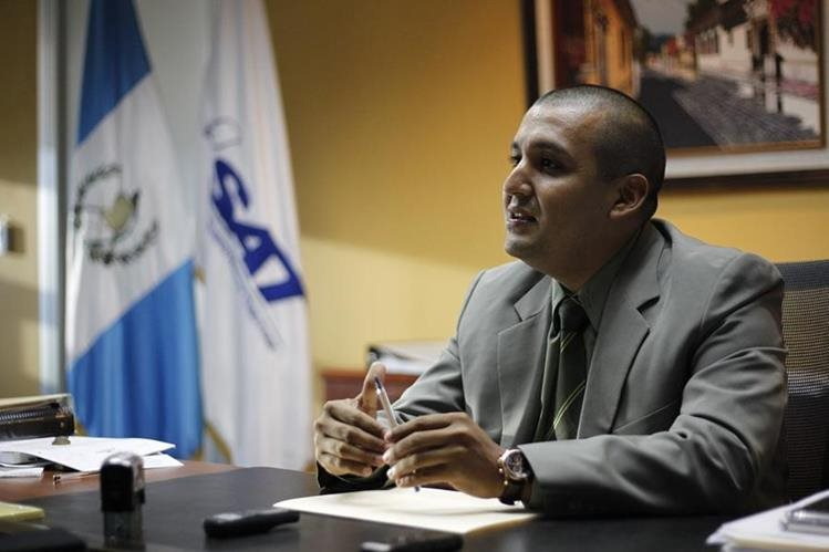 Juan Francisco Solórzano Foppa tomó posesión el pasado 9 de marzo 2016. (Foto Prensa Libre:Hemeroteca PL)