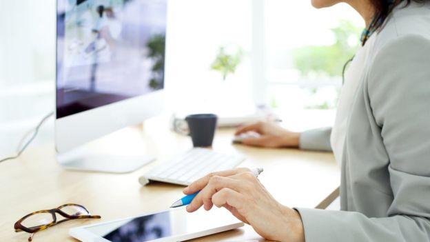 A veces, lo que hay que negociar son beneficios, como más vacaciones o poder trabajar desde casa. (THINKSTOCK)
