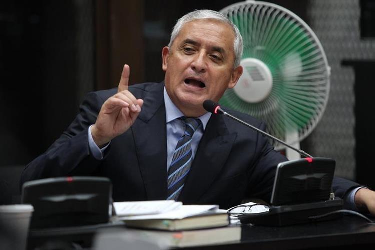 Los abogados de Pérez Molina denuncia presuntas violaciones a sus derechos humanos. (Foto Prensa Libre: Hemeroteca PL)