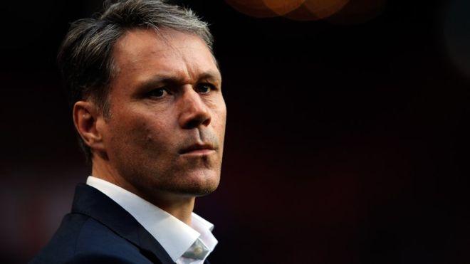 El exfutbolista holandés trabaja actualmente para la FIFA como director de desarrollo técnico. (Getty Images)