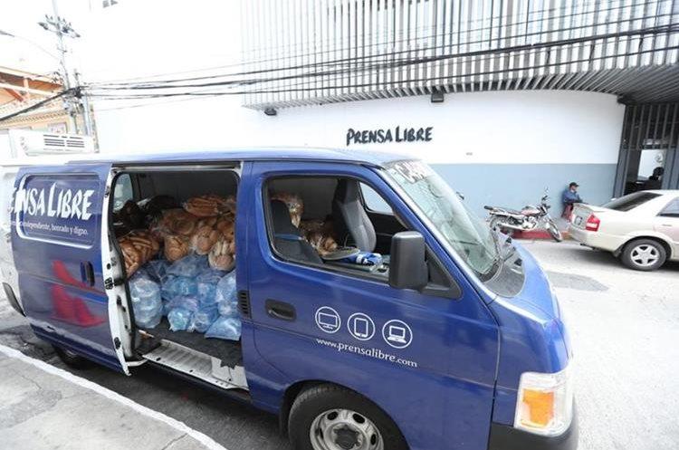 Los productos serán entregados a las entidades de beneficiencia, que lo trasladarán a los albergues (Foto Prensa Libre: Esbin García).