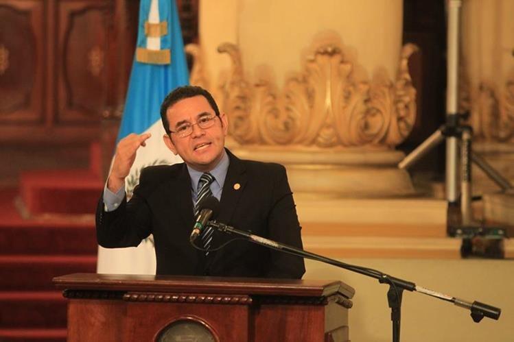 El presidente Jimmy Morales en conferencia de Prensa hizo un llamado a los guatemaltecos para pagar impuestos. (Foto Prensa Libre: Esbin García)