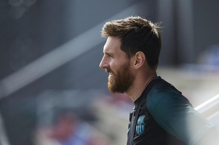 Uno de los mejores goles de Lionel Messi fue hace 10 años. (Foto Prensa Libre: EFE)