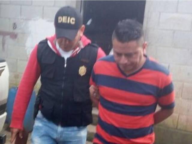 Cleyder Osman Hernández Álvarez fungió como cajero receptor de Tesorería de la municipalidad y es sindicado de peculado por sustracción. (Foto Prensa Libre: PNC)