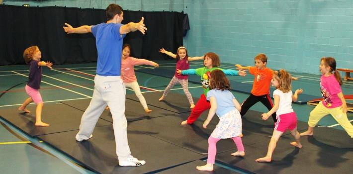 Los ejercicios aeróbicos ayudan a fortalecer músculos y huesos. (Foto Prensa Libre: Stirling University).