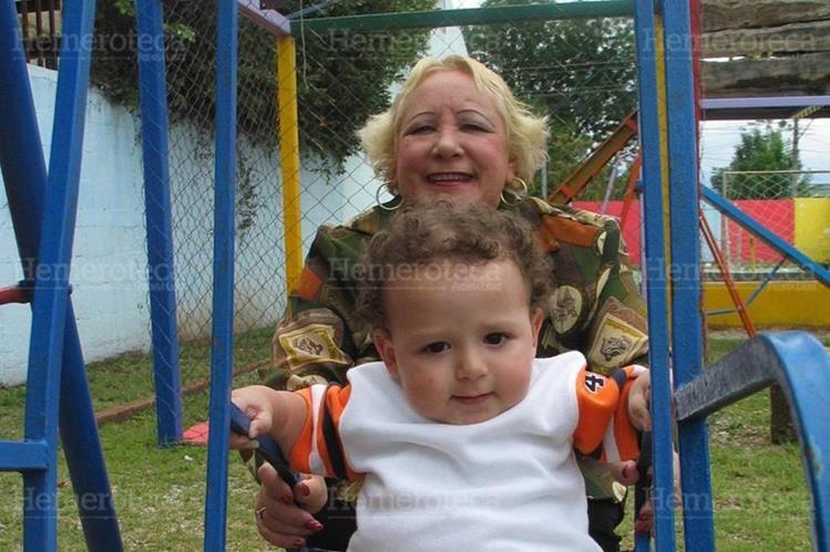 09/05/2008. Los nietos dan vitalidad a los abuelos. (Foto: Hemeroteca PL)