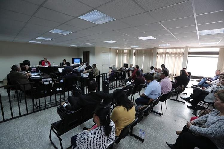 Audiencia de este viernes del juicio IGSS-Pisa que se celebra en el Tribunal Undécimo Penal. (Foto Prensa Libre: Juan Diego González)