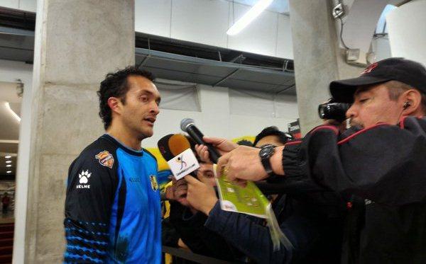 Ricardo Jerez brinda declaraciones, después del encuentro contra Independiente de Santa Fe. (Foto Prensa Libre).