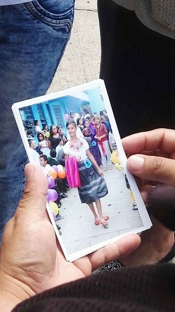 La niña Emily participaba en el certamen de Señorita Independencia, en la escuela Mario Alioto López. (Foto Prensa Libre: Érick Ávila)