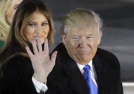 Trump y su esposa Melania asisten a una ceremonia de inauguración en Washington.(AP).