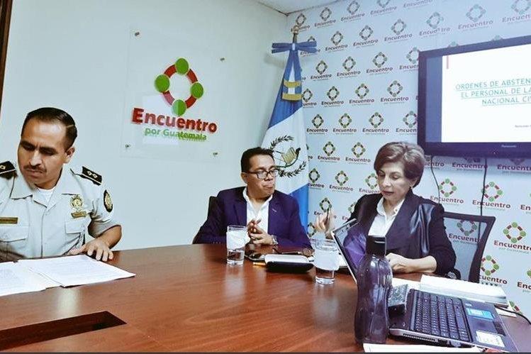 Comisario Wilson Ramírez Maldonado, durante citación con la bancada Encuentro por Guatemala. (Foto: Twiitter/@EncuentroGuate)