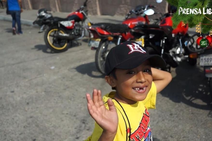 La sonrisa de los niños paga el acto de bondad. (Foto Prensa Libre: Astrid Blank)