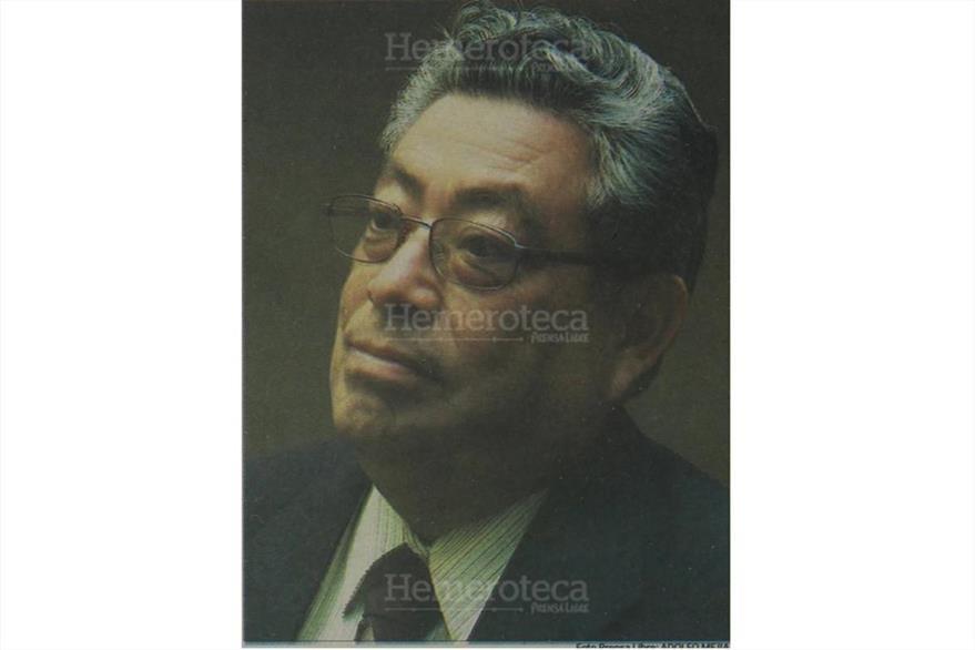 19/4/2002 Óscar Bolaños Parada,  en entrevista. (Foto: Hemeroteca PL)