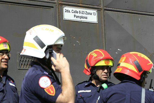 Los socorristas trasladaron a cuatro monitores con heridas de arma blanca.