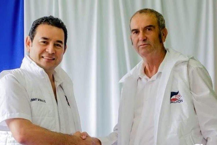 El diputado Víctor Cruz junto al presidente Jimmy Morales durante la campaña electoral.(Foto Prensa Libre: Facebook)
