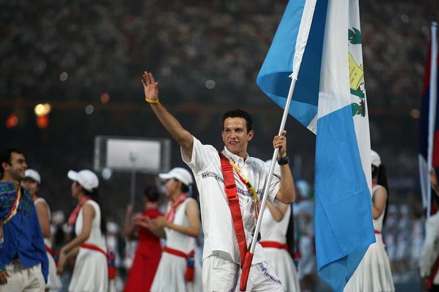 Kevin fue el abanderado de la delegación guatemalteca en los Juegos Olímpicos de Pekín 2008. (Foto: Hemeroteca PL)