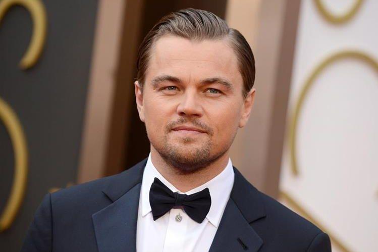 La estrella de Hollywood Leonardo DiCaprio debió entregar varios regalos que recibió para una subasta de caridad. (Foto Prensa Libre: AP)