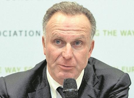 Rummeneigge tuvo que pedir disculpas por las acciones violentas de unos hinchas del Bayern. (Foto Prensa Libre: Hemeroteca)