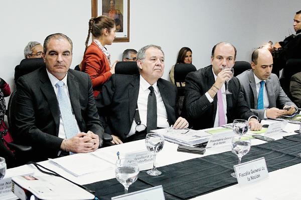 Autoridades colombianas se reúnen para buscar alternativas.(Foto Prensa Libre: EFE).