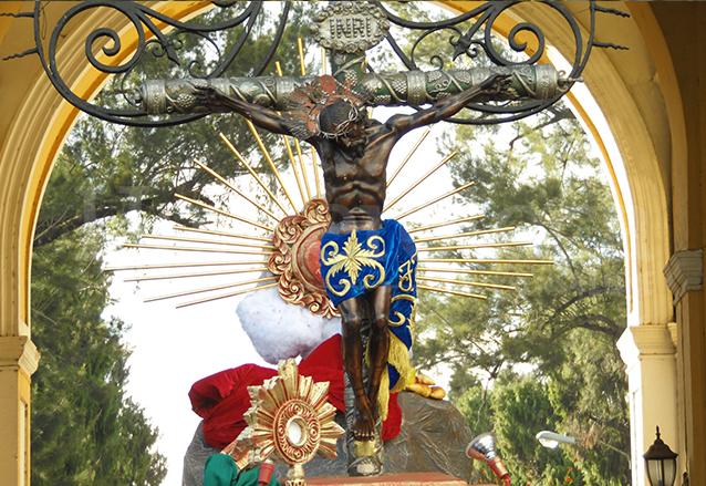 Imagen del Cristo de Esquipulas que se venera en la Parroquia de Santa Marta, zona 3. (Foto: Néstor Galicia)