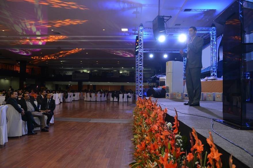 La actividad estuvo dirigida por el alcalde de Mixco. (Foto Prensa Libre: Tomada de Facebook)
