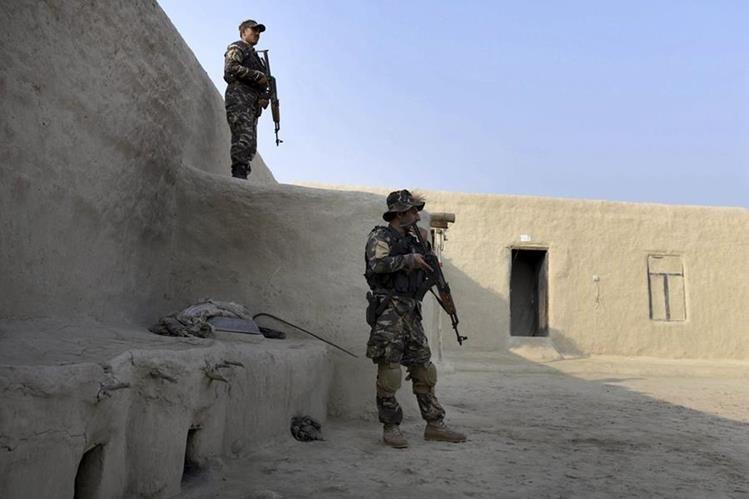 Estados Unidos mantiene en el país asiático una misión de combate con 9 mil 800 soldados hasta el final del 2016. (Foto Prensa Libre: EFE).