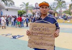 Cientos de centroamericanos atraviesan la ciudad