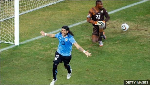 """Fue una jugada de """"clase"""", como el mismo Abreu expresó en medio del júbilo por la clasificación. (Foto Prensa Libre: BBC Mundo)"""