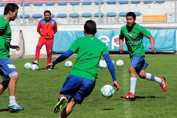 José Gonón es una de las nuevas figuras de Xelajú, que busca ganarse un lugar en el equipo titular. (Foto Prensa Libre: Carlos Ventura)