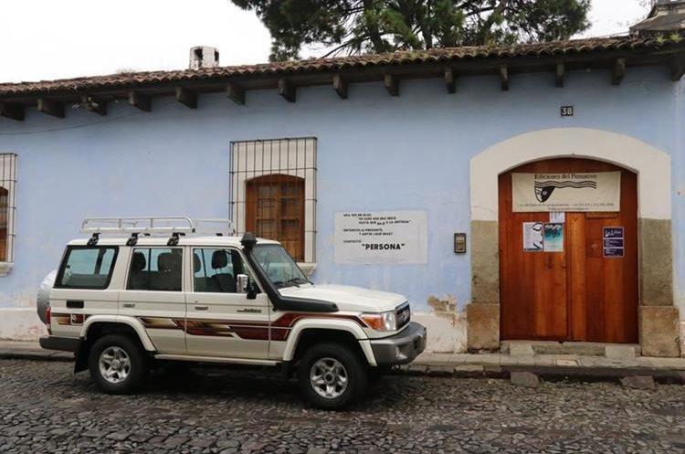 Centro Cultural Casa Pensativa fue saqueado en horas de la madrugada de este miércoles. (Foto Prensa Libre: Julio Sicán)