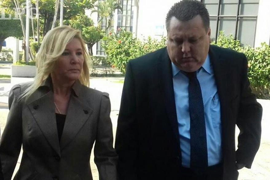Ana Ligia de Saca (i) es procesada por los delitos de lavado de dinero y trama de corrupción. LPG