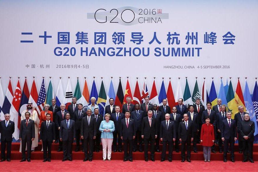 Foto de familia de los líderes de las principales economías que participan en la cumbre del G20 que se celebra en Hangzhou, China. (Foto Prensa Libre: EFE)