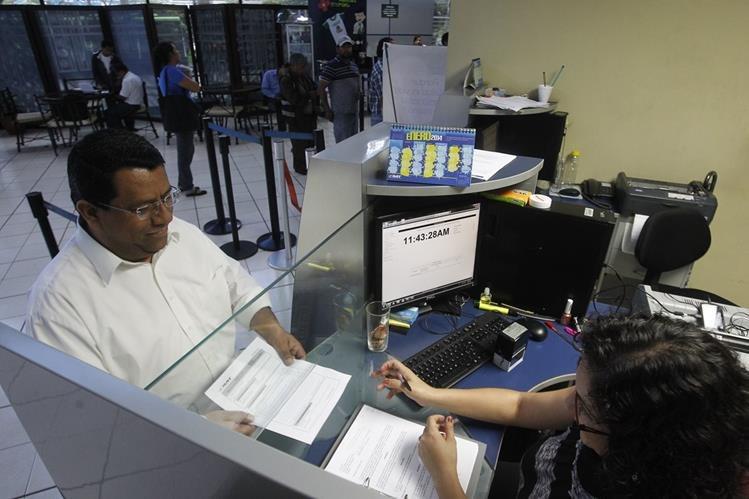 El plazo para pagar sin multas el impuesto es el 31 de julio del 2016.(Foto Prensa Libre: Oscar Rivas)