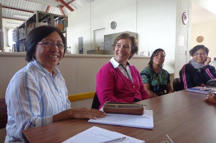 Fuentes Maldonado participa en la planificación de las actividades de la Fundación Pedro Poveda. (Foto Prensa Libre: Cortesía).