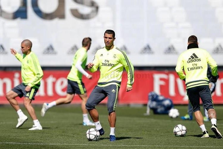 Cristiano volvió a pisar el césped de Valdebebas este domingo. (Foto Prensa Libre: Real Madrid)