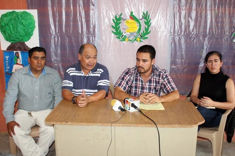 Dirigencia del magisterio de Joyabaj, Quiché, asegura que candidato a la alcaldía del PP los acusa de conspirar en su contra. (Foto Prensa Libre: Óscar Figueroa)