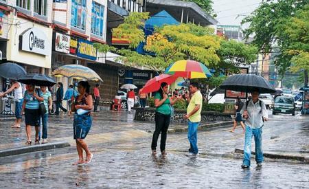 La fuerte lluvia azota a Tegucigalpa desde el lunes recién pasado.