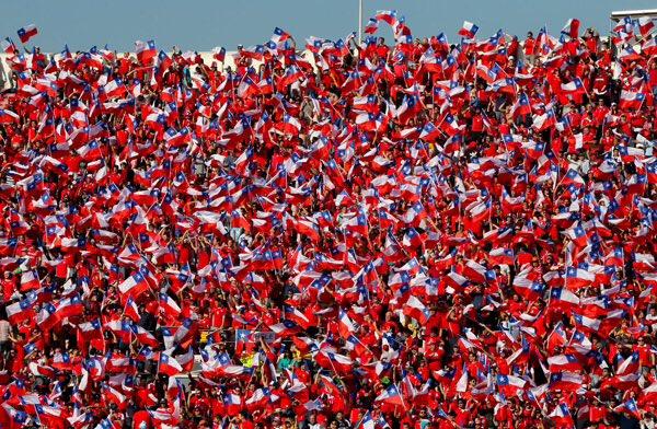 Los chilenos esperan pintar de rojo San Petersburgo en la final de la Copa Confederaciones entre Chile y Alemania. (Foto Prensa Libre: Tomada de internet)