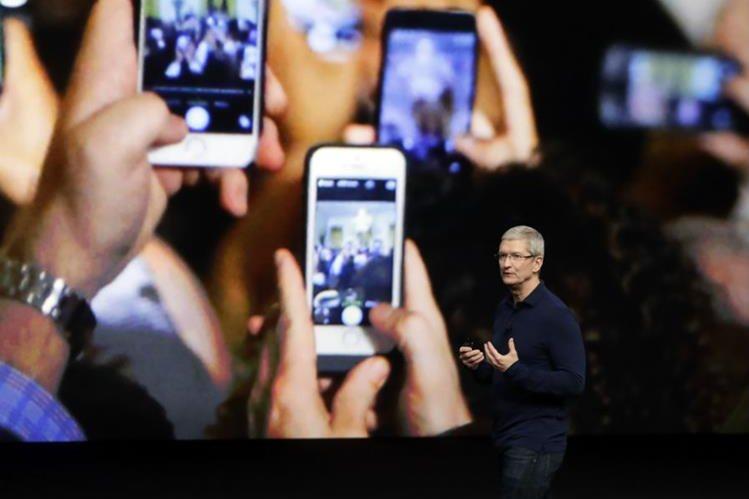 Apple desvela un nuevo iPhone de alta gama en un evento altamente esperado. (Foto Prensa Libre: AP)