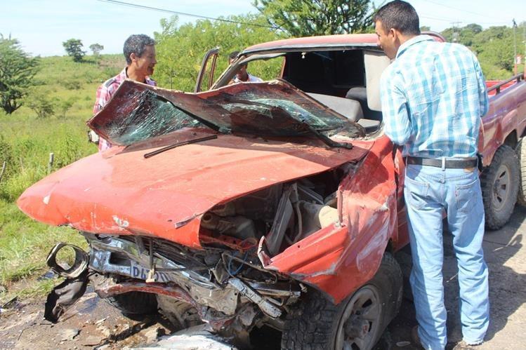 Picop accidentado en la cabecera de Jutiapa. (Foto Prensa Libre: Óscar González)