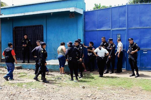 El ahora occiso tenía 30 días de haber salido de prisión. (Foto Prensa Libre: Carlos Paredes)