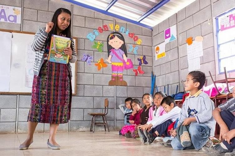 El proyecto beneficiado con el evento incluye la capacitación a maestros para promover la lectura. (Foto Prensa Libre: Cortesía)
