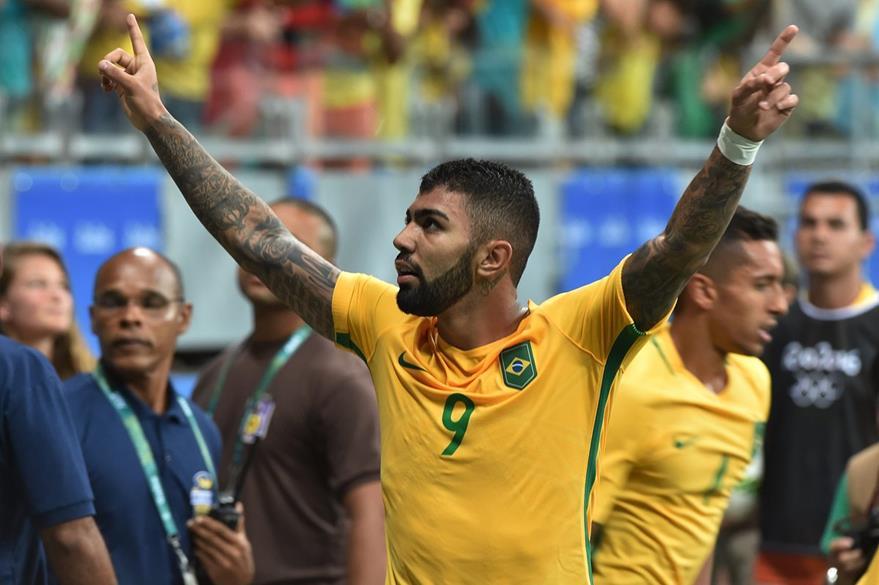 Gabriel fue el artífice de la victoria brasileña este miércoles. (Fot Prensa Libre: AFP)