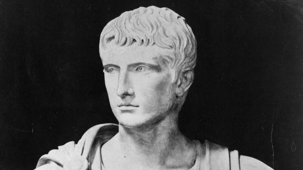 El emperador Augusto nació como Gaius Octavius Turinus, por lo que su