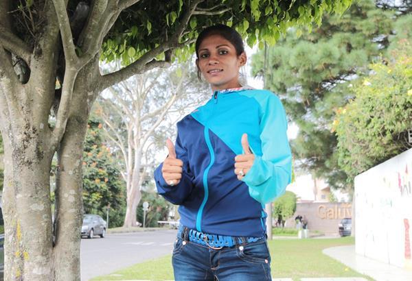 Mirna Ortiz captada en uno de sus entrenamientos en el estadio Mateo Flores.