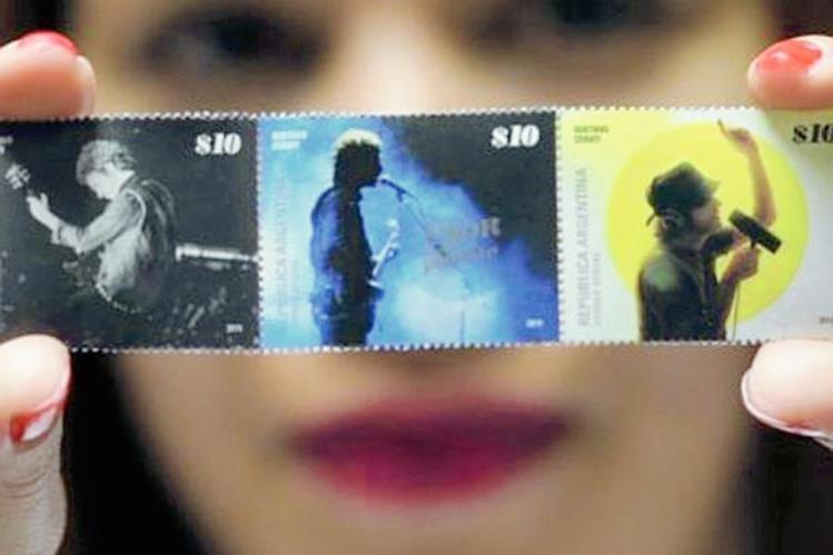 Imagen de los sellos postales de Gustavo Cerati que circulan desde el jueves en Argentina. (Foto Prensa Libre: HemerotecaPL).