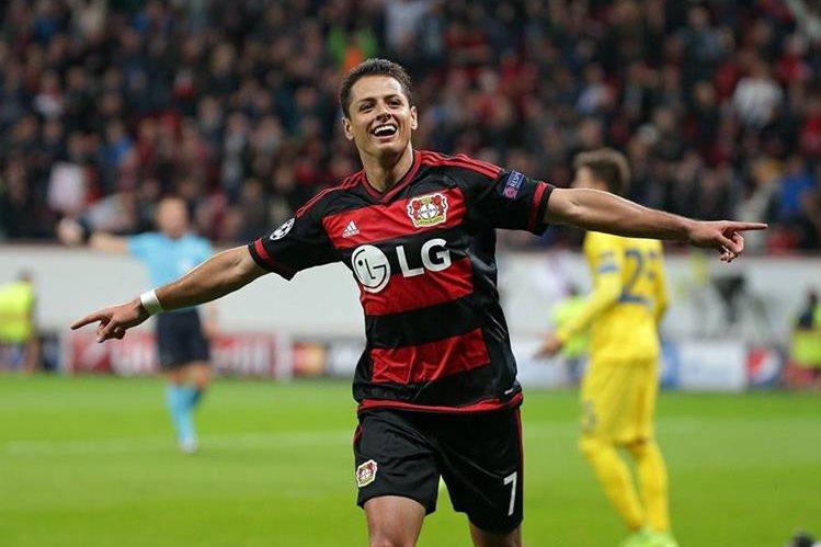 El delantero mexicano Javier Hernández desmintió que fuera a salir del Bayer Leverkusen. (Foto Prensa Libre: Hemeroteca)